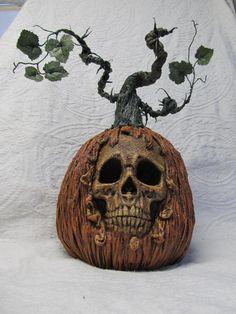 The Halloween Page Halloween Goodies, Halloween Items, Halloween Projects, Holidays Halloween, Halloween Pumpkins, Halloween Crafts, Happy Halloween, Halloween Decorations, Pumpkin Decorations