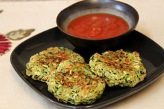 Zucchini Fritter-Cakes.  Designed to taste like a crab cake.   Good with warmed marinara sauce.