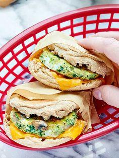 Healthy Breakfast Sandwich http://livedan330.com/2015/12/28/healthy-breakfast-sandwich/