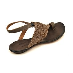 Casual Fall / Winter Shoes - Must Have Footwear Collection. Fall Winter Shoes, Summer Shoes, Summer Outfit, Carrie, Beautiful Sandals, Sandals Outfit, How To Make Shoes, Unique Shoes, Comfortable Shoes