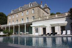 Chateau de Blomac, Blomac, Achterkant kasteel met groot verwarmd zwembad
