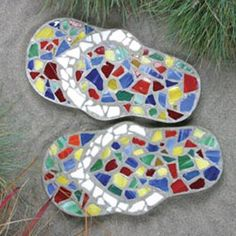 Mosaic Flip Flops Stepping Stone Kit300 x 300 | 75.9KB | www.colorfulimpressions.net