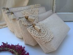 Set of 3 - Doily Bridesmaid Clutch wedding gift linen boho purse beige cotton lace clutch Bridesmaid wedding Bohemian Personalized Gift - DIY & Basteln - Bridesmaid Clutches, Bridesmaid Gifts, Lace Bridesmaids, Maid Of Honour Presents, Lace Bag, Jute Bags, Linens And Lace, Hand Embroidery Designs, Diy Bags