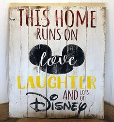 Rustic Pallet Wall Art – Home Runs on Love Laughter and Disney Sign – Mickey Mouse Sign – Love and L Rustikale Palette Wandkunst – [. Disney Diy, Casa Disney, Disney Rooms, Disney Home Decor, Disney Crafts, Disney Mickey, Disney Playroom, Disney Ideas, Disney Planning