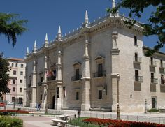Palacio de Santa Cruz en Valladolid (España), se inauguró en 1491.