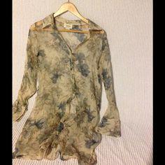 100% Silk Print Neiman Marcus Shirt Gorgeous tissue thin silk shirt.  Delicate and super pretty. Neiman Marcus Tops Blouses