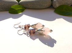 Boucles d'oreilles en quartz rose, boucles papillons cristal violet, bijoux en pierres fines : Boucles d'oreille par lapassiondisabelle