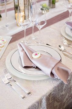 Lovely Pink and Ivory Tablescape with our Rose Martinique Full Length Linen, Ivory Voile Table Veil, Dusty Rose Plush Velvet Wide Runner & Napkin. Image by Fully Alive Photography