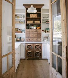Kitchen Pantry Design, New Kitchen, Kitchen Decor, Kitchen Counters, Kitchen With Pantry, Kitchen Pantries, Countertop, Backsplash, Pantry Inspiration