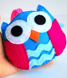 Owl plush toy sewing pattern. Make it in bedroom colors for the bed:) name it Westley