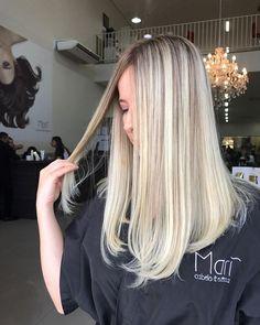 Fique por dentro das novas tendências em cabelos loiros 2018. Confira fotos, dicas para arrasar nos cabelos loiros 2018 e fotos!