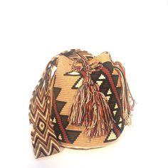 Siki 7 Lana, Beanie, Fashion, Backpacks, Crocheting, Moda, Fashion Styles, Beanies, Fashion Illustrations