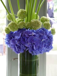 Centerpieces, blue, green, hydrangea, calla lily