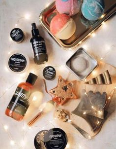 Bath products lush 25 super ideas - Different and Beautiful Ideas Lush Cosmetics, Handmade Cosmetics, The Body Shop, Lush Aesthetic, Lush Christmas, Christmas Gifts, Easy Style, Lush Store, Lotion