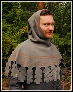 14th century dagged hood with embroidery