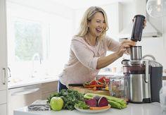 Get natural metabolism boosters by juicing Low Fat Diet Plan, Low Carb Diet, Best Juicer To Buy, Natural Metabolism Boosters, Best Masticating Juicer, Healthy Tips, Healthy Eating, Fast Metabolism Diet, Juice Diet