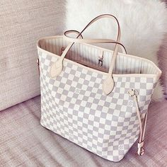 Summer LV Bags New Collection, Save From Louis Vuitton Handbags Neverfull Outlet Online Store, Hot Sales to Get LV Style Cheap Michael Kors, Michael Kors Outlet, Michael Kors Bag, Coach Purses, Purses And Bags, Lv Bags, Cheap Purses, Coach Bags, Trendy Purses