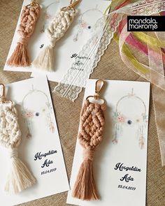 Macrame Wall Hanging Patterns, Macrame Art, Macrame Design, Macrame Patterns, Macrame Jewelry, Diy Sewing Projects, Macrame Projects, Wedding Reception Design, Wedding Suite