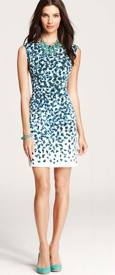 Falling Petals Ann Taylor Sheath Dress --> Not my usual style but I can't help but be mesmerized by the pattern.