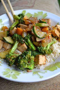 L'assiette vegan: Sauté thaïlandais vegan au tofu et à l'orange