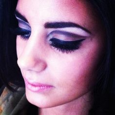 1960s style makeup