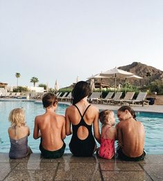 It was pretty much the most relaxing weekend of my life and that's with five kids sooo....back to reality tomorrow 😝 @camelbackinn #adifferenteveryday #staycation #sponsored