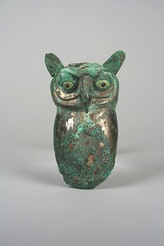 Owl Geography:Peru Culture:Moche (Loma Negra) Medium:Silvered copper, shell, pyrite Dimensions:H. cm) The Met Historical Artifacts, Ancient Artifacts, Arte Tribal, Inca, Ancient Jewelry, Owl Art, Animal Sculptures, Metropolitan Museum, Ancient History