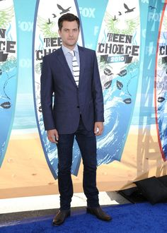 Pin for Later: Joshua Jackson's Transformation From Pacey to Perfect Man His fashion was never boring, and who can deny this man in a suit?