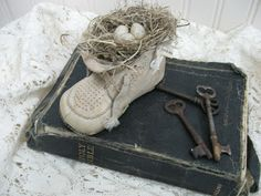 "Treasures from the Heart: ""Vintage"" Baby Shoe Tutorial and More!!!  How to make new look old"