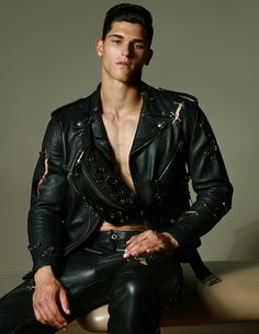 Leather Jeans Men, Leather Jacket, Leather Trousers, Wilhelmina Models, Men Street, Haircuts For Men, Beauty Routines, Leather Fashion, Pretty Boys