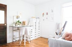 House Tour: An Industrial Modern Apartment in Michigan | Apartment Therapy