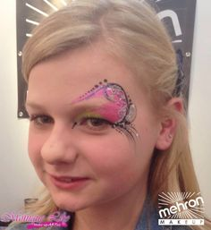 Monique Lily's eye design Mehron paradise makeup AQ white, lime, light pink, black  - Paradise Detailz black  - Mehron GlitterMark silver  @ Mehron Booth, cosmetica Hannover