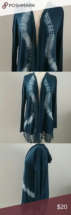 SUPER CUTE BLUE TYE DYE OPEN FRONT CARDIGAN SUPER CUTE AND COMFORTABLE BLUE TYE DYE OPEN FRONT CARDIGAN WITH UNEXPECTED WIDE LACE TRIM AND A HOOD. A VISCOSE AMD ELASTIC BLEND. THERE IS NO SIZE LABEL BUT MEASURES 21.5 INCHES FROM ONE ARM PIT TO THE OTHER. Jackets & Coats