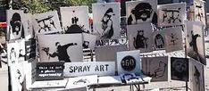 Read Banksy sells original work for in New York market stall stunt latest on ITV News. All the Entertainment, And Finally, World news David Walker, Art Banksy, Graffiti Art, Banksy Artwork, Most Popular Artists, Creative Names, Colossal Art, New York, Expositions