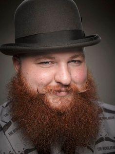 Greg Anderson photographie les participants du championnat de barbes et moustaches à Portland !