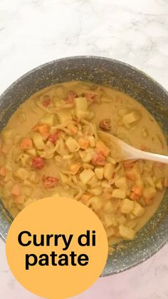 Curry giallo di patate, speziato, semplice e veloce