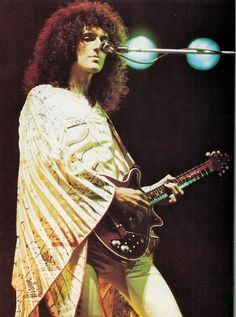 Brighton Rock - Brian May (Queen) Hard Rock, Rock And Roll, Queen Brian May, Princes Of The Universe, Jazz, Roger Taylor, Queen Photos, Grunge, We Will Rock You