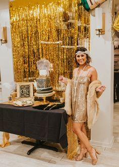 How to throw a Great Gatsby Themed Party · Haute Off The Rack Source by andreareimerar party outfit women Roaring 20s Birthday Party, Great Gatsby Themed Party, 30th Birthday Parties, Cake Birthday, Themed Parties, Themes For Parties, 1920 Theme Party, Birthday Party Outfit Women, 40th Birthday Party Themes