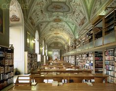 Interior of the Vatican Library - Image by © Massimo Listri