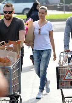 Heidi Klum wearing Rag & Bone Marimar Jeans
