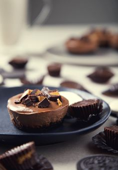 No-Bake Mini Peanut Butter Cup Vegan Chocolate Cheesecakes