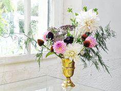 Auf der Mammilade|n-Seite des Lebens | Personal Lifestyle Blog | Dahlien | Blumen Workshop München | Anastasia Benko | Alte Holz-Sprossenfenster | Botanischer Garten | Herbstblumen | Blumenstrauß Herbst