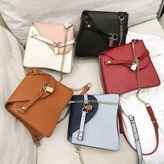 Black Handbags, Leather Handbags, Leather Bag, Popular Handbags, Cool Backpacks, Everyday Bag, Cute Bags, A Line Prom Dresses, Evening Bags