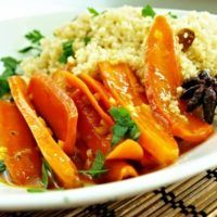 Recept : Medová karotka s kuskusem   ReceptyOnLine.cz - kuchařka, recepty a inspirace Tofu, Thai Red Curry, Carrots, Lime, Food And Drink, Vegetarian, Lunch, Vegetables, Ethnic Recipes