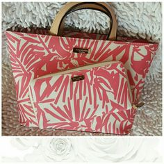 """Kate Spade Handbag & Wallet Get ready for Spring with this pebbled vinyl set really cute.. I am on the hunt for unique floral designs...this set is new spotless with tags purse. Measurements handle drop 5"""", Width 13"""", Depth 4"""" kate spade Bags Totes"""