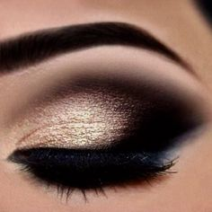 44 Awesome Golden Smokey Eye Makeup with a Pop of Gold. # – Ana Rangel 44 Awesome Golden Smokey Eye Makeup with a Pop of Gold. # 44 Awesome Golden Smokey Eye Makeup with a Pop of Gold. Sexy Eye Makeup, Gorgeous Makeup, Hair Makeup, Awesome Makeup, Eye Makeup For Prom, Makeup Looks For Prom, Indian Eye Makeup, Evening Eye Makeup, Party Eye Makeup