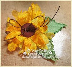 The Funkie Junkie: Crinoline Sunflower Tutorial other flowers too! Burlap Flowers, Fall Flowers, Large Flowers, Diy Flowers, Fabric Flowers, Paper Flowers, Burlap Crafts, Paper Crafts, Diy Crafts
