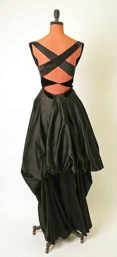 Evening dress Charles James  (American, born Great Britain, 1906–1978)  Date: 1947 Culture: American Medium: silk. Back
