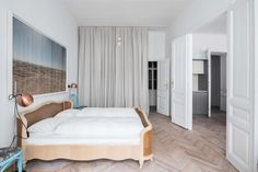 View the full picture gallery of Apartment E&E Scandinavian Style Bedroom, Modern Bedroom, Custom Made Furniture, Furniture Making, Contemporary Apartment, Contemporary Design, Zeitgenössisches Apartment, Thrifty Decor, Vintage Chairs