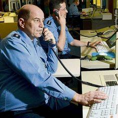 http://www.bild.de/regional/berlin/hacker/legen-telefon-der-polizei-lahm-43565744.bild.html